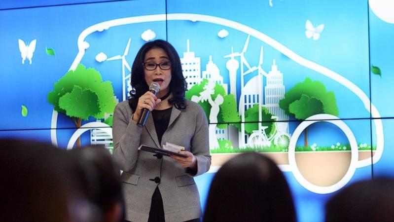 Direktur PT Bank Rakyat Indonesia Tbk (BRI) Handayani menyampaikan sambutan pada peluncuran program pembiayaan untuk mobil ramah lingkungan melalui Kredit Kendaraan Bermotor BRI di Jakarta, Senin (15/4/2019). - Bisnis/Dedi Gunawan