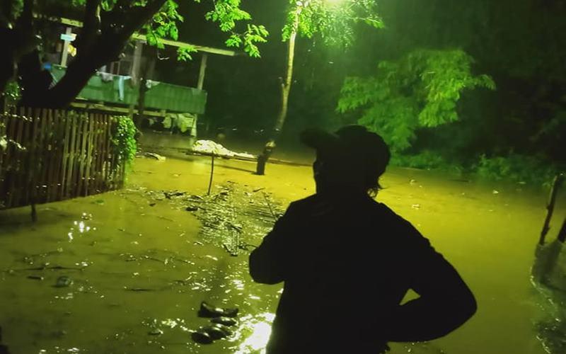 Banjir di Kabupaten Bantaeng, Provinsi Sulawesi Selatan, sejak Jumat (12/6/2020). - Dok.BNPB