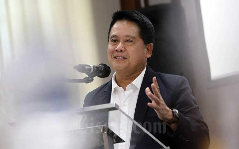 Wakil Direktur Utama Bank Mandiri Hery Gunardi memberikan pemaparan di sela-sela penandatanganan perjanjian kerja sama di Jakarta, Selasa (8/9/2020). Bisnis - Himawan L Nugraha