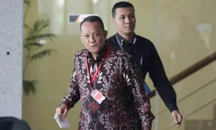 Eks-Sekjen MA Nurhadi saat berada di Gedung KPK - Antara