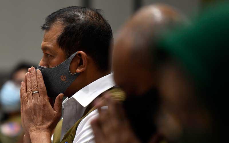Kepala Badan Nasional Penanggulangan Bencana (BNPB) Letjen Doni Monardo mengikuti rapat kerja bersama Komisi VIII DPR di Kompleks Parlemen Senayan, Jakarta, Selasa (23/6/2020). Rapat kerja tersebut membahas pembicaraan pendahuluan RAPBN Tahun Anggaran 2021, RKP 2021 dan evaluasi kinerja BNPB tahun 2020. ANTARA FOTO - Puspa Perwitasari