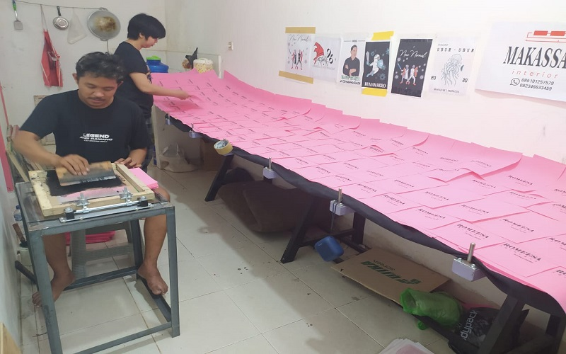 Bisnis konveksi yang dijalankan anggota group supporter PSM Makassar, Redgank, Andi Sadli - Istimewa