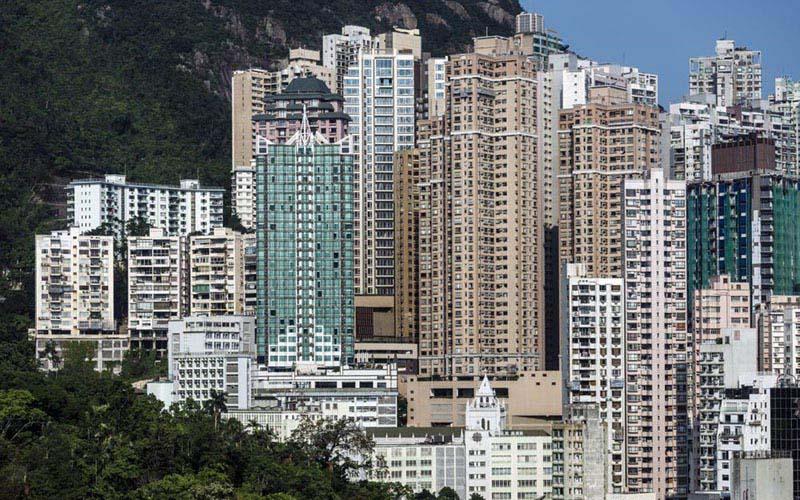 Bangunan residensial di Hong Kong. - Bloomberg/Justin Chin