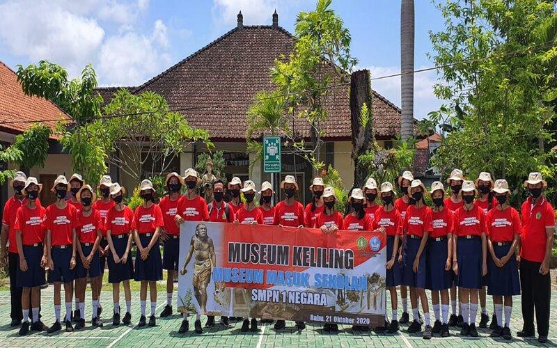 Disbudpar Jembrana sosialisasikan museum keliling ke sekolah/sekolah.