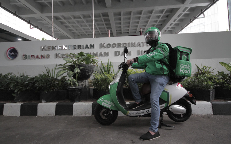 GrabBike Electric. Pada tahap awal Grab meluncurkan armada 50 sepeda motor listrik di DKI Jakarta.  - Grab