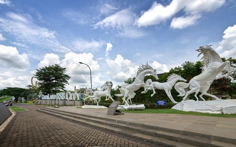Patung-patung kuda ciri khas Ciputra Group di kawasan perumahan CitraLand BSB City Semarang. - Istimewa/Ciputra Group