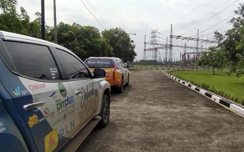 Tim Jelajah Segitiga Rebana III berkesempatan mengunjungi salah satu Gardu Induk Cikumpay milik PLN UP3 Purwakarta. - Bisnis/Dea Andriyawan