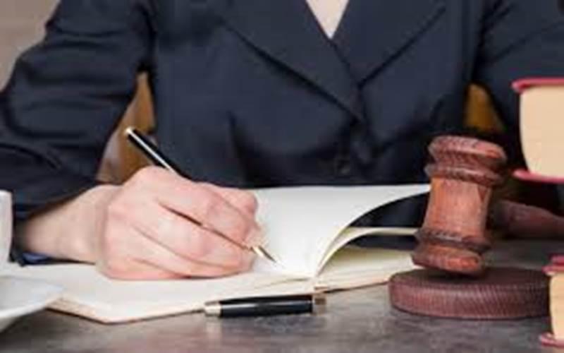 Ilustrasi notaris
