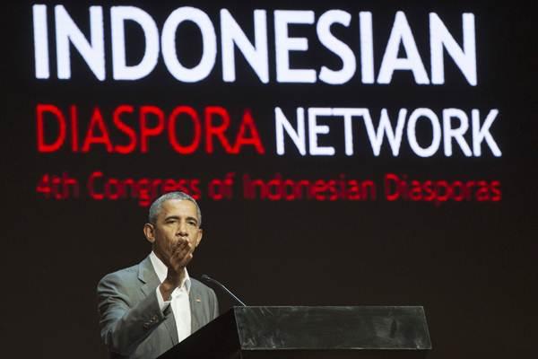 Mantan Presiden Amerika Serikat Barack Obama memberi sambutan dalam Kongres Diaspora Indonesia ke-4 di Jakarta, Sabtu (1/7). - ANTARA/Rosa Panggabean