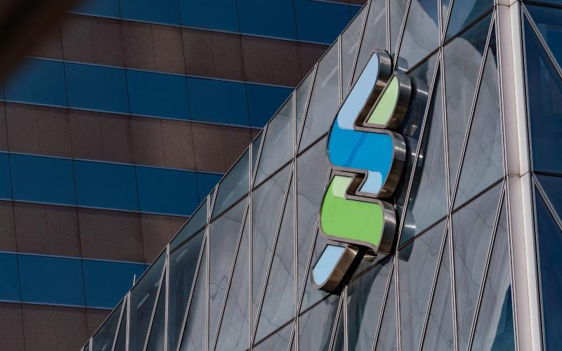 Standard Chartered - Bloomberg