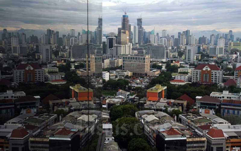 Pemandangan gedung bertingkat di Jakarta. Bisnis - Arief Hermawan P