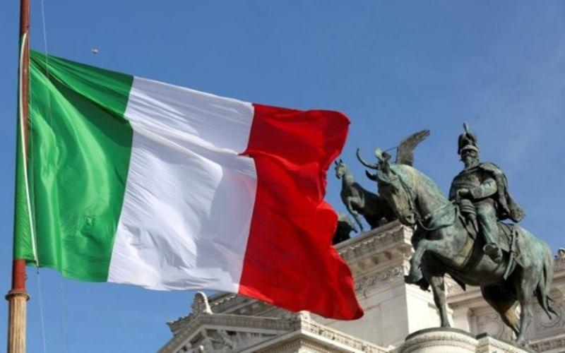 Bendera Italia / Reuters