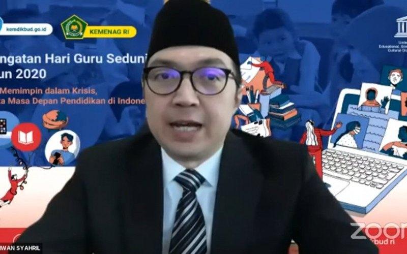 Direktur Jenderal Guru dan Tenaga Kependidikan Kementerian Pendidikan dan Kebudayaan (Kemendikbud) Iwan Syahril dalam telekonferensi di Jakarta, Kamis (8/10). (ANTARA - Indriani)