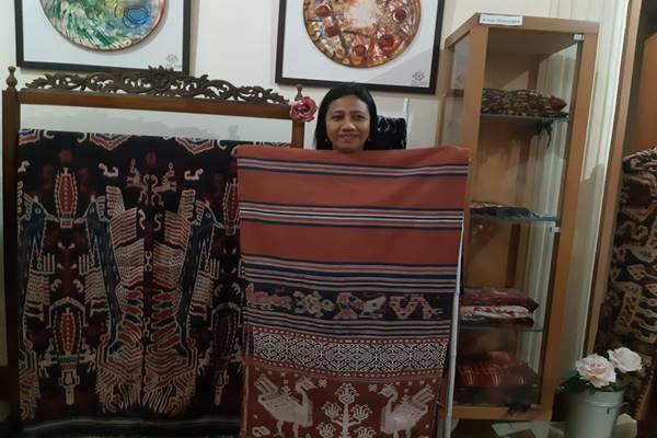 Pegiat tenun khas Sumba Timur, Rambu Naomi. JIBI - BISNIS/Gloria Fransisca Katharina Lawi