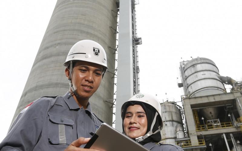 Digital Fertilizer dapat menunjang kinerja produksi seperti peningkatan efisiensi bahan baku dan biaya pemeliharaan, meningkatkan reliability, serta menurunkan angka shutdown di pabrik.  - Pupuk Indonesia