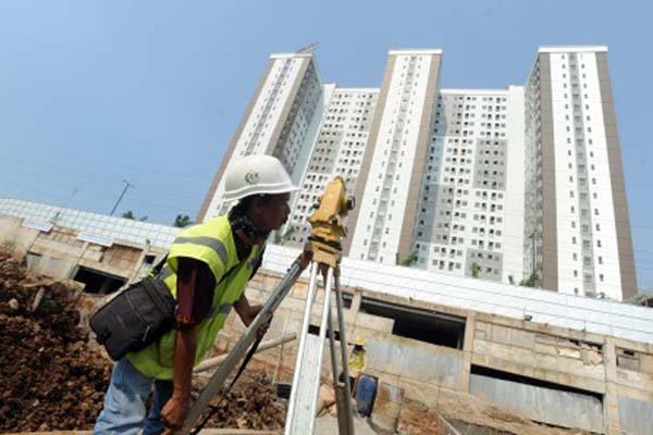 Ilustrasi pembangunan apartemen/Antara - Audy Alwi