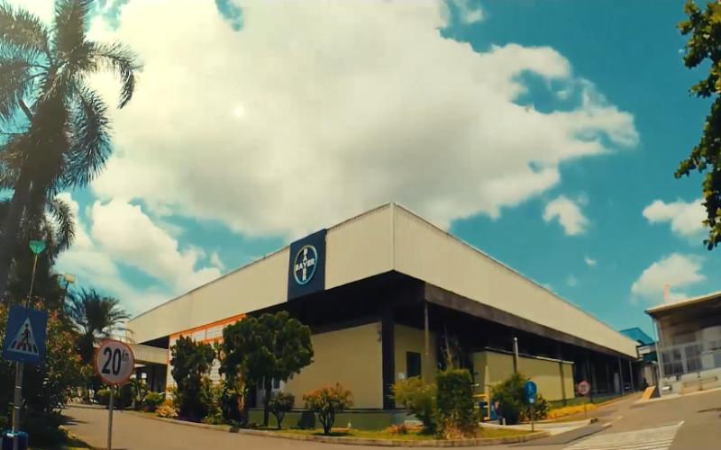 Pabrik produk kesehatan Bayer di Cimanggis juga merupakan satu-satunya pabrik di wilayah Asean dan yang terbesar dengan nilai ekspor yang signifikan se-Asia Pasifik dan merupakan pusat produksi unggulan dari 12 pabrik Bayer di seluruh dunia. - Bayer