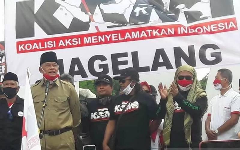 Mantan Panglima TNI Jenderal (Purn) Gatot Nurmantyo saat menyampaikan sambutan dalam deklarasi KAMI kabupaten/kota se-Jawa Tengah di Kota Magelang. - Antara