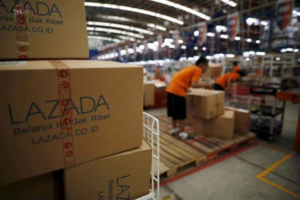 Warehouse salah satu perusahaan e-commerce di Jakarta - Reuters
