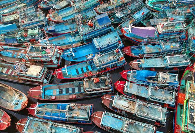 Kapal nelayan bersandar di Pelabuhan Tegal, Jawa Tengah, Minggu (2/6/2019). - Antara/Oky Lukmansyah