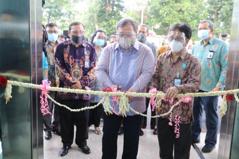 Menristek Bambang Permadi Soemantri Brodjonegoro meresmikan Gedung Laboratorium SNSU. - istimewa