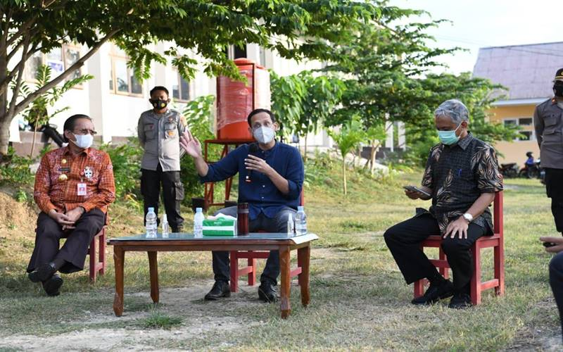Menteri Pendidikan dan Kebudayaan (Mendikbud) Nadiem Anwar Makarim mengunjungi Kota Palu, Sulawesi Tengah selama dua hari untuk memastikan pemulihan sekolah pascagempa tahun 2018 berjala lancar. - Dok.Kemendikbud