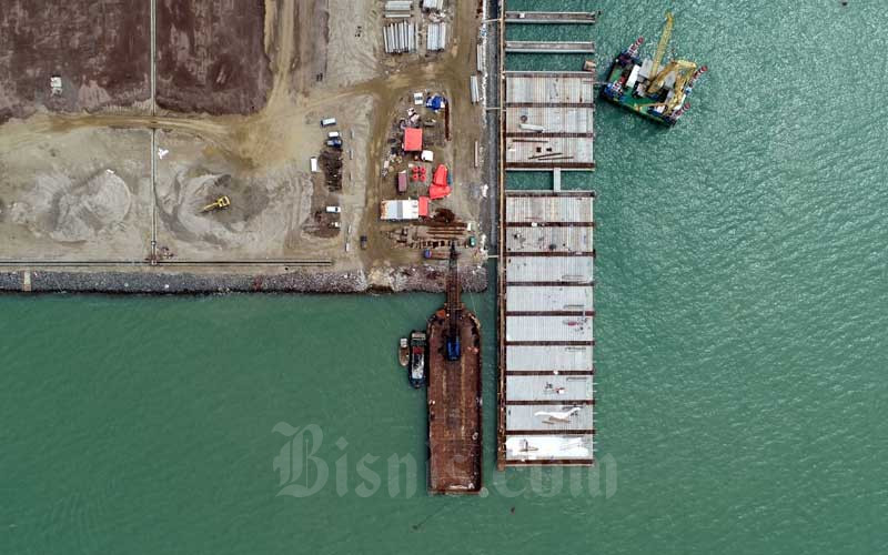 Foto udara proyek pembangunan Pelabuhan Patimban di Kabupaten Subang, Jawa Barat, Selasa (23/6/2020)./Bisnis - Rachman