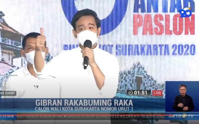 Calon Wali Kota Solo, Gibran Rakabuming Raka menjawab pertanyaan panelis dalam debat terbuka yang dihelat KPU Solo dan disiarkan langsung, Jumat (6/11/2020) - Youtube - Metrotvnews