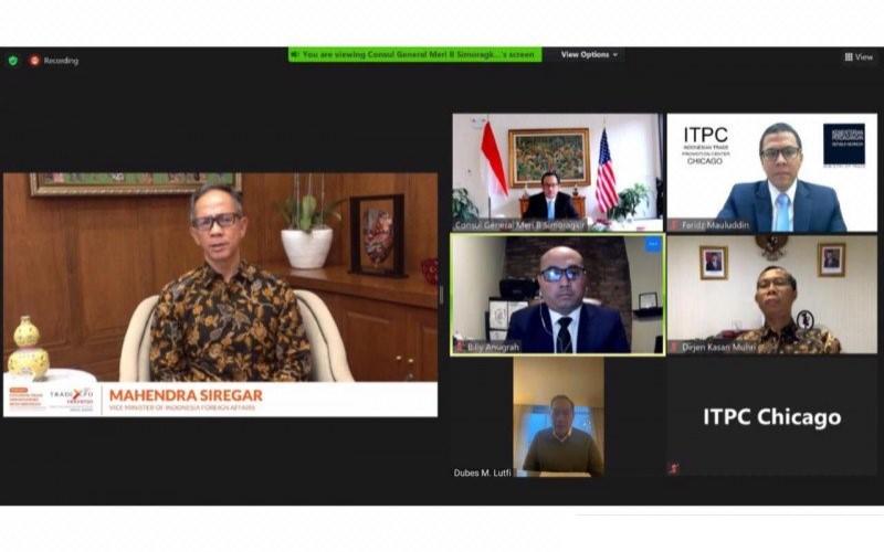 Wakil Menteri Luar Negeri RI Mahendra Siregar bersama sejumlah pejabat perwakilan RI di AS melakukan pertemuan virtual dengan pelaku bisnis dan mitra strategis pada Kamis (5/11/2020) waktu AS. - Antara