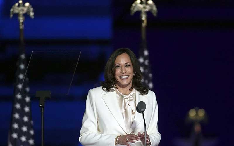 Wakil Presiden terpilih AS Kamala Harris menyampaikan pidato kemenangan di Wilmington, Delaware, AS, Sabtu (7 /11/2020). Bloomberg - Sarah Silbiger\r\n
