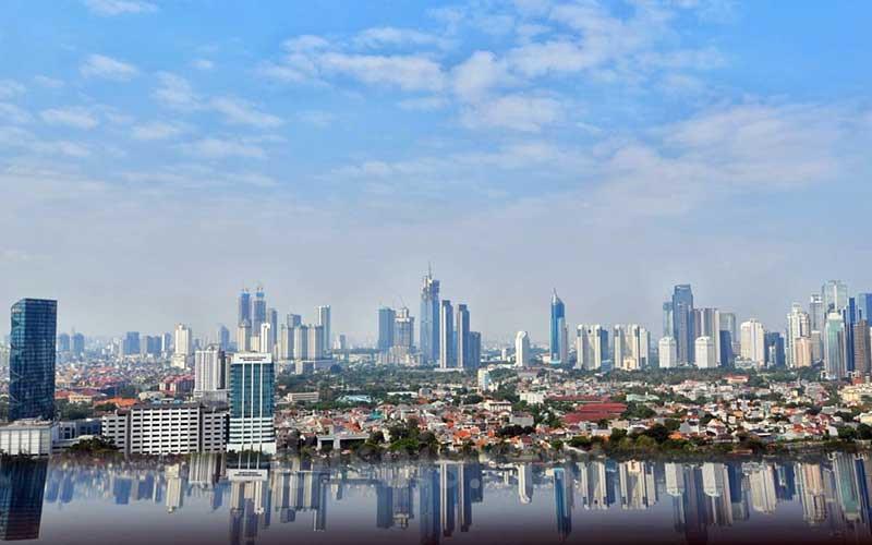 Jajaran gedung perkantoran di Jakarta, Senin (24/8/2020). Bisnis - Abdurachman