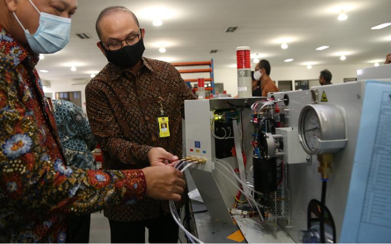 LEN memproduksi Emergency Ventilator hasil pengembangan BPPT. - BPPT