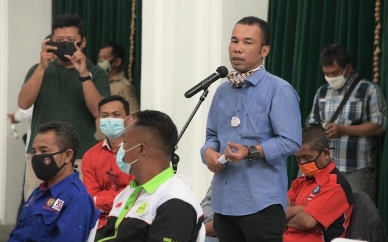 Audiensi buruh dengan Gubernur Jawa Barat Ridwan Kamil