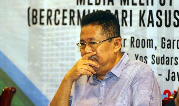 Karni Ilyas saat menjadi pembicara pada The Editor's Talk bertajuk Media Meliput Perempuan yang digelar Forum Pemred dalam rangka Hari Pers Nasional (HPN) 2019, di Surabaya, Jumat (8/2/2019). - Bisnis/Wahyu Darmawan
