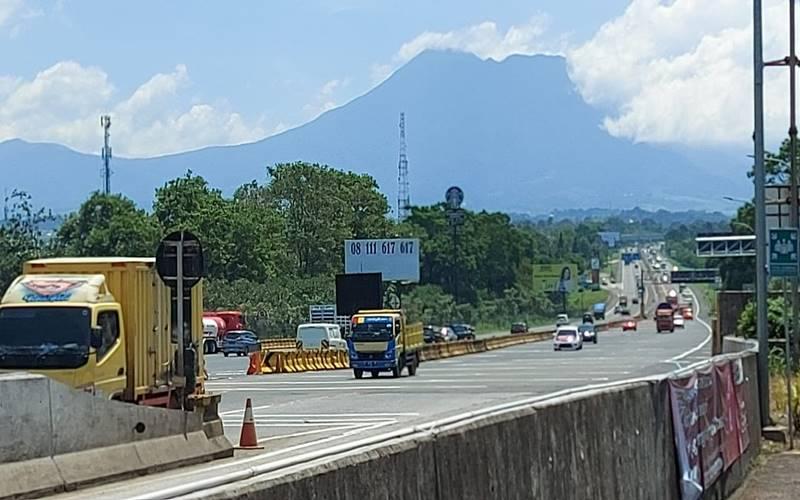 Kawasan Tol Jagorawi, GT Gadog terpantau lancar, Jumat (13/11/2020). -   Jasa Marga