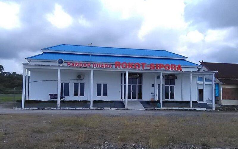 Bandara Rokot Sipora.