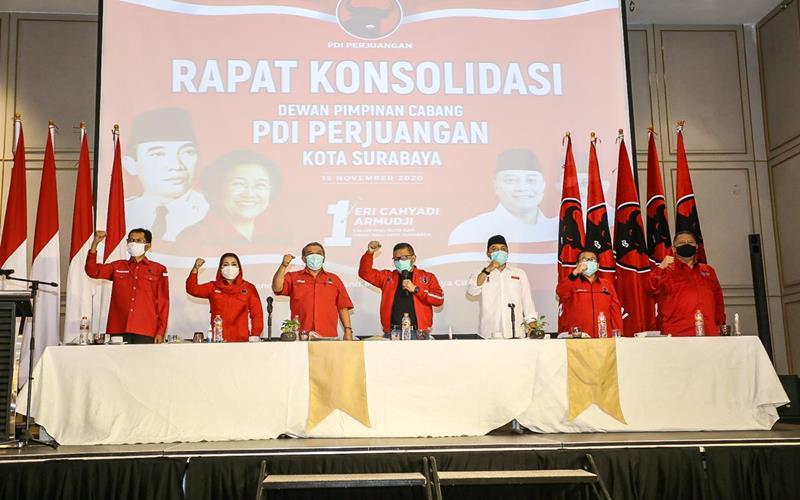 Sekretaris Jenderal DPP PDI Perjuangan (PDIP) Hasto Kristiyanto memimpin rapat konsolidasi pemenangan pasangan nomor urut 1 Pilkada Surabaya 2020, Eri Cahyadi-Armudji. - Dok. PDIP