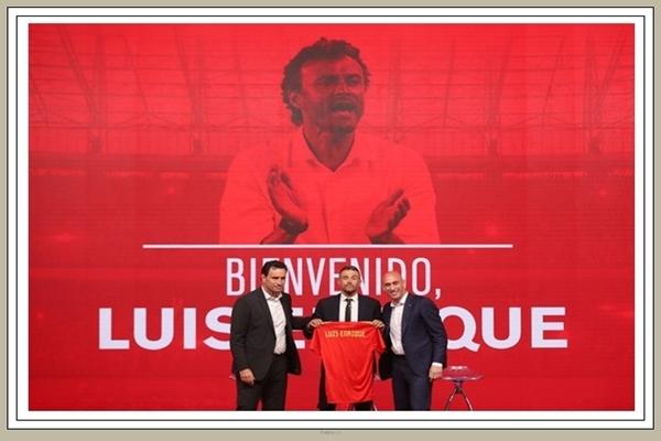 Luis Enrique saat diperkenalkan sebagai pelatih baru tim nasional Spanyol, Kamis (19/7/2018) - Reuters