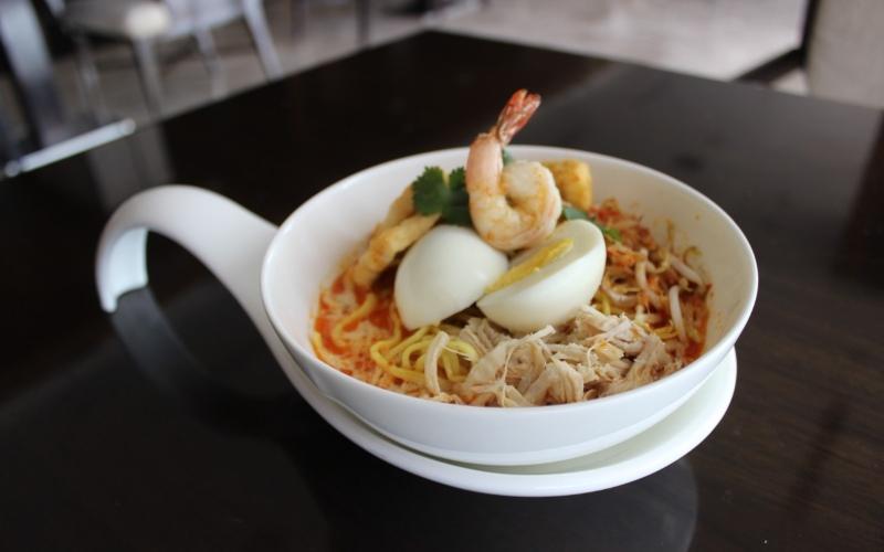 PO Hotel Semarang menawarkan menu/menu baru khas kuliner Singapura, seperti Assam Laksa, Char Koay Teow, Chee Cheong Fu), Mee Rebus , Nasi Lemak Ayam Berempah, Kari Ayam Kentang, Hokkien Mee, dan Satay Beehon.