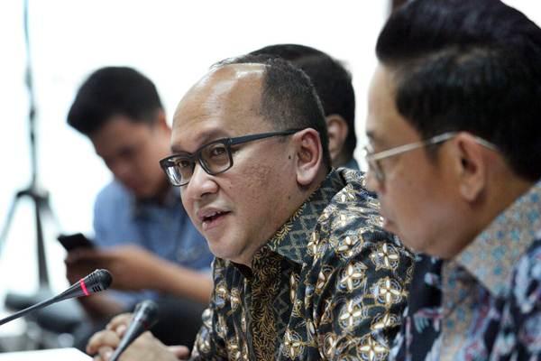 Ketua Umum Kadin Indonesia Rosan P. Roeslani memberikan penjelasan mengenai rencana penyelenggaraan Jakarta Food Security Summit (JFSS) keempat di Jakarta, Selasa (6/3). - JIBI/Dedi Gunawan