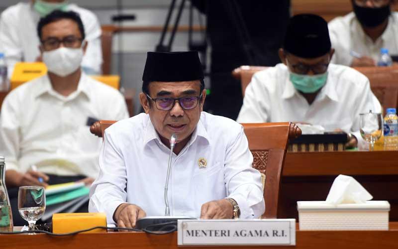Menteri Agama Fachrul Razi mengikuti rapat kerja dengan Komisi VIII DPR di Kompleks Parlemen, Senayan, Jakarta, Selasa (7/7/2020). ANTARA FOTO - Akbar Nugroho Gumay