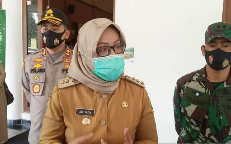 Bupati Bogor Ade Yasin di Pendopo Bupati, Cibinong Kabupaten Bogor, Jawa Barat, Senin (29/6/2020).  - Antara