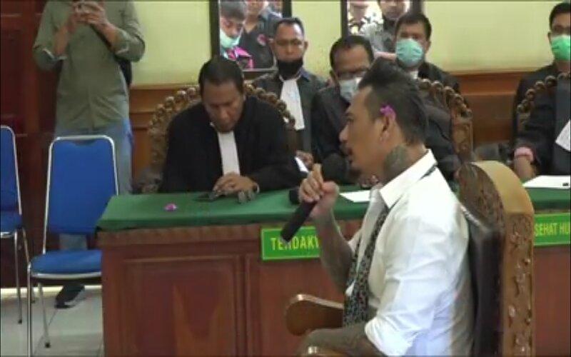 I Gede Ary Astina atau Jerinx menjalani sidang putusan di PN Denpasar, Kamis (18/11 - 2020).