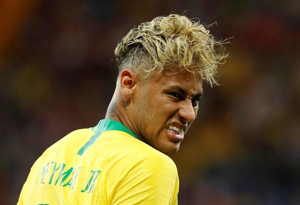 Striker Brasil, Neymar - Reuters