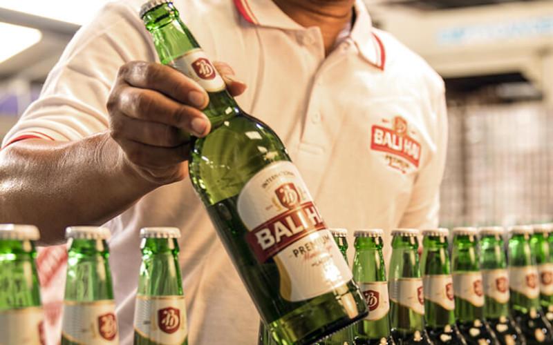 PT Bali Hai Brewery Indonesia punya visi untuk diakui dan dihormati sebagai brewery di Indonesia, dirayakan di negeri sendiri dan dikagumi mancanegara.  - Bali Hai Brewery Indonesia