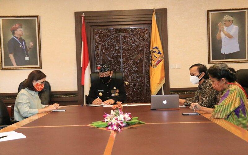Audiensi dari General Manager Indonesia Medical Tourism Board (IMTB) dengan Wakil Gubernur Bali Tjokorda Oka Artha Ardhana Sukawati mengenai pengembangan pariwisata medis.