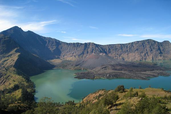 Gunung Rinjani - wikipedia