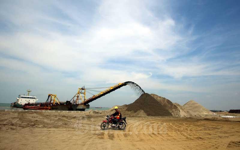 Aktivitas proyek pembangunan Pelabuhan Patimban di Kabupaten Subang, Jawa Barat, Selasa (23/6/2020). Bisnis - Rachman