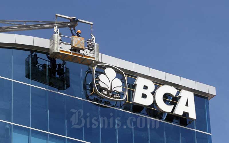 Bank Central Asia (BCA)  - Bisnis/Paulus Tandi Bone