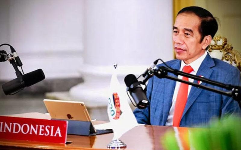 Presiden Joko Widodo menghadiri KTT G20 secara virtual. - Antara